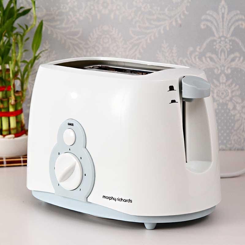 209001e08 Morphy Richards Slice Pop up Toaster AT 202