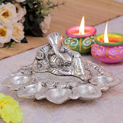 Ganesh Panch Arti Diya
